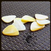 Shell Tones - Gold Pearl - 1 Guitar Pick | Timber Tones